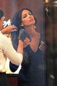 Madalina-Ghenea-Shops-Chopard-Milan-Italy-11022011-08.jpg