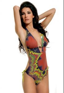 Ines_Pujol_-_Cyn__Luca_Swimwear_2009_Collections_019.jpg