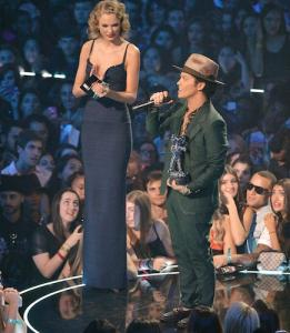 taylor-swift-and-bruno-mars.jpg