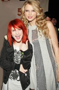 taylor-swft-and-hayley-williams.jpg