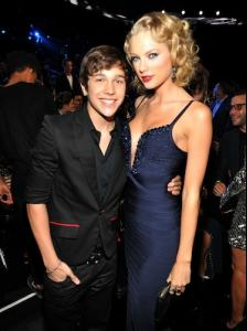 austin-mahone-and-taylor-swift-2.jpg