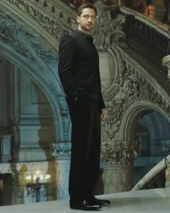 Gerard_Butler___Jean_Francois_Robert_Photoshoot2004_LJ__hireshunks4.jpg