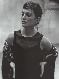 Vogue_Spain_December_1998_ESCUELA_FLAMENCA.jpg