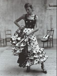 Vogue_Spain_December_1998_ESCUELA_FLAMENCA__3_.jpg
