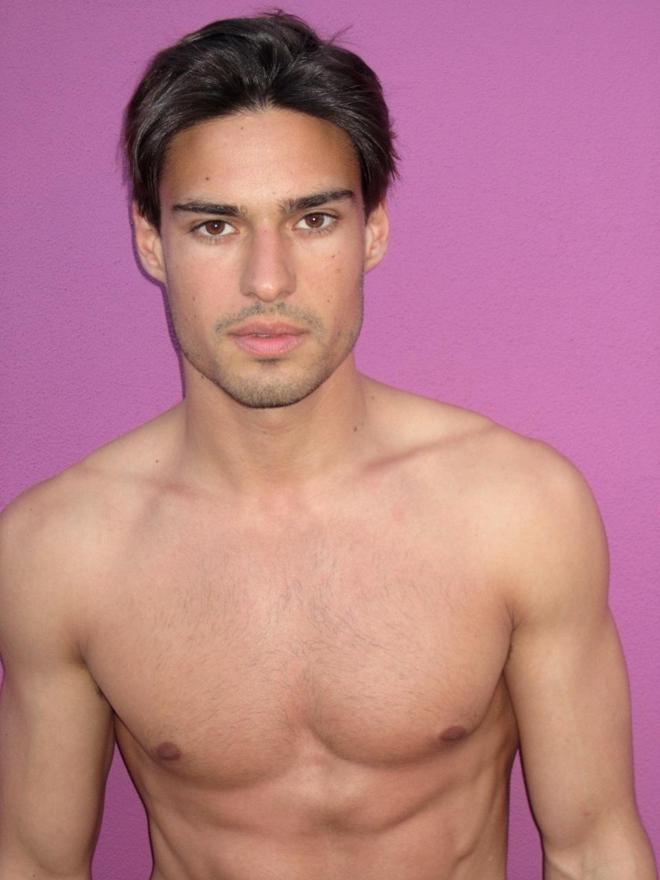 Alex bechet model accept