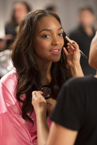 fashion-show-hair-makeup-2012-jourdan-dunn-victorias-secret-hi-res.jpg