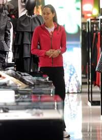 Ana_Ivanovic_shopping_at_Armani_Boutique 006.jpg