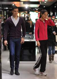 Ana_Ivanovic_shopping_at_Armani_Boutique 008.jpg