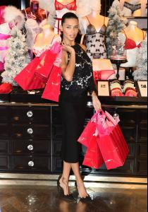 adriana-lima-at-victoria-s-secret-uk-photocall-in-london-52-photos-december-2013_40.jpg