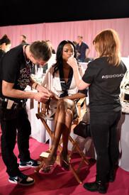 2014_Victoria_Secret_Fashion_Show_Hair_Makeup_u_S.jpg