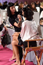 2014_Victoria_Secret_Fashion_Show_Hair_Makeup_V.jpg