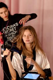 2014_Victoria_Secret_Fashion_Show_Hair_Makeup_Va.jpg