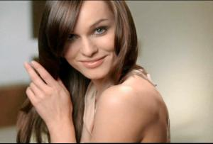 Clairol Natural Instincts - It's all good model.jpg