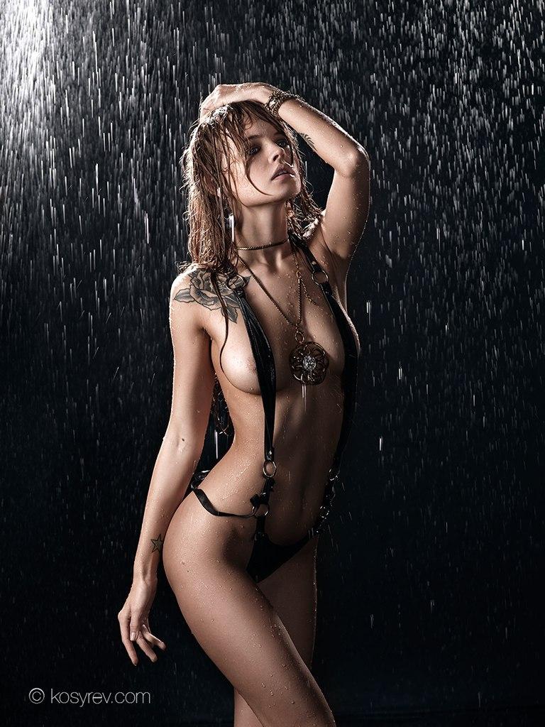 seks-na-prirode-molodezhi-video