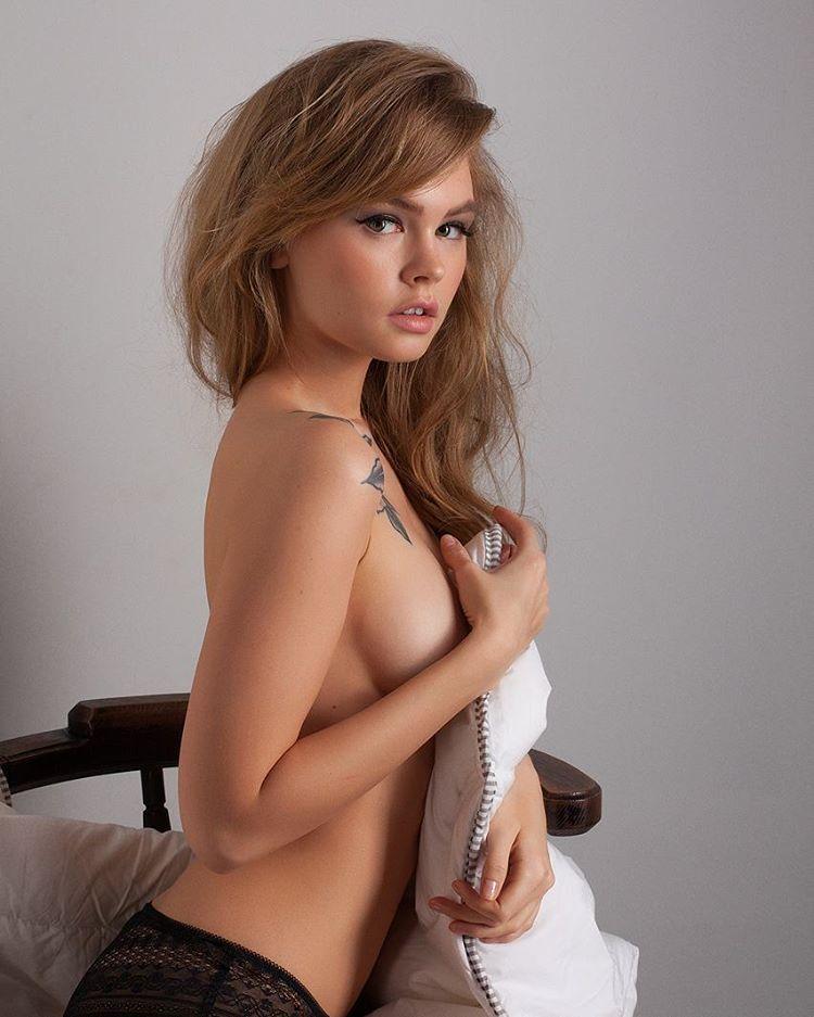 ero-foto-anastasiya-fedorovna-porno-afrikantsa-nerki