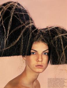 254-hair-color-spray-bazaar-us-nicolas-jurnjack_254.jpg