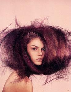 255-hair-products-holding-spray-bazaar-us-nicolas-jurnjack_255.jpg