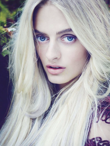 Idina May Moncreiffe By James Meakin For Uk Tatler November 2013 (1).png