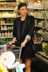 miranda-kerr-goes-grocery-shopping-in-malibu-4-2-2016-1.jpg