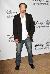 charles-mesure-2011-disney-abc-summer-press-tour-03.jpg