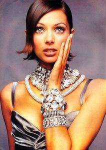 UK-Elle-December-1992-2.jpg