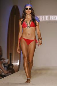 22873_Miami_Swim_Celebrity_City_FS_3834_123_1106lo.jpg