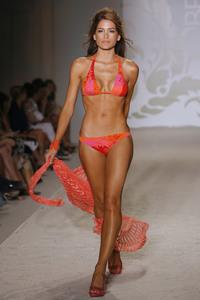 23672_Miami_Swim_Celebrity_City_FS_91431_123_684lo.jpg