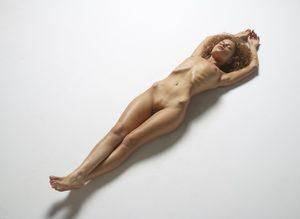 julia-nude-figures-01-10000px.jpg