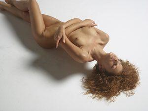 julia-nude-figures-12-10000px.jpg