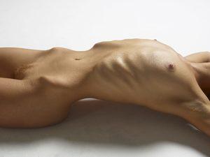 julia-nude-figures-14-10000px.jpg