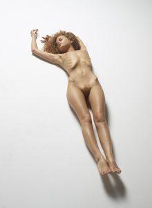 julia-nude-figures-40-10000px.jpg
