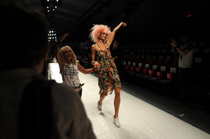 Betsey+Johnson+MBFW+Atmosphere+Lincoln+Center+BNsaYpZC3jPl.jpg