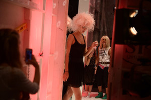 Betsey+Johnson+MBFW+Backstage+Betsey+Johnson+KzbHXc5tI1zl.jpg