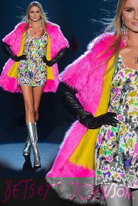 Betsey-Johnson-fashion-designer.jpg