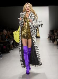 betsey-johnson-fall-2014-show-new-york-fashion-week_2.jpg