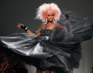 betsey-johnson-spring-2014-runway-show.jpg