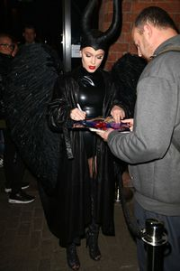 zara-larsson-dressed-as-maleficent-for-a-halloween-party-in-liverpool-29-10-2016-4.jpg