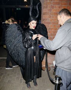 zara-larsson-dressed-as-maleficent-for-a-halloween-party-in-liverpool-29-10-2016-6.jpg