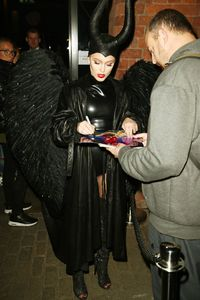 zara-larsson-dressed-as-maleficent-for-a-halloween-party-in-liverpool-29-10-2016-7.jpg