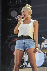 3 sarah-connor-performs-at-a-concert-in-berlin_1.jpg