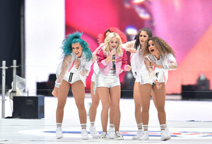 Zara-Larsson---Performs-at-2016-Capital-FM-Summertime-Ball--14.jpg
