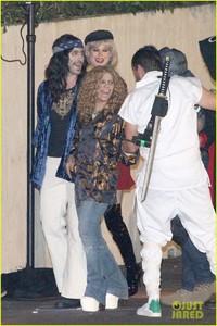 behati-prinsloo-dresses-as-pretty-woman-for-halloween-adam-levine-18.jpg