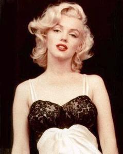 kinopoisk.ru-Marilyn-Monroe-38631.jpg