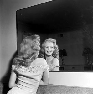 kinopoisk.ru-Marilyn-Monroe-498021.jpg