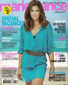Cindy Crawford marie france juil aout 2010.jpg