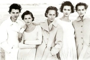Harpers_Bazaar_US_Nov_1994_-_Janine_Giddings__Kate_Moss__Amber_Valletta__Shalom_Harlow___Emma_Balfour_by_Peter_Lindbergh.jpg