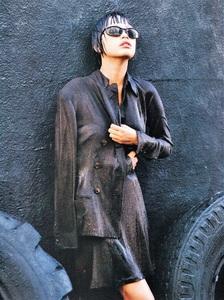 bazaar_us_october_1994_16.jpg