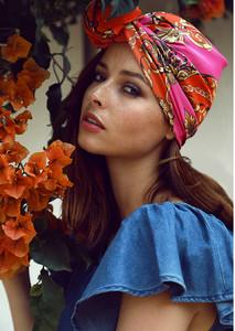 Virginie Bleyaert foulard.JPG