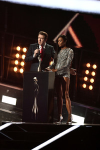 Naomi+Campbell+BRIT+Awards+2017+Show+YBPNNkJ3A9Px.jpg