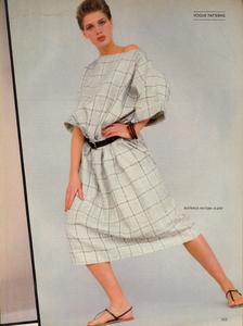Comte_Vogue_US_April_1983_06.thumb.jpg.ccc2d88ec3cf26bbcdf4a4887ccb592e.jpg